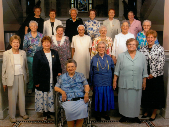 A picture with fellow diamond jubilarians. Sr. Michael is in the front row, in blue.